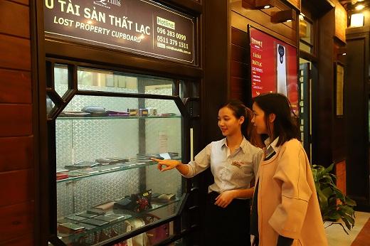 Những tủ đồ thất lạc giúp du khách nhận lại hàng tỷ đồng bỏ quên
