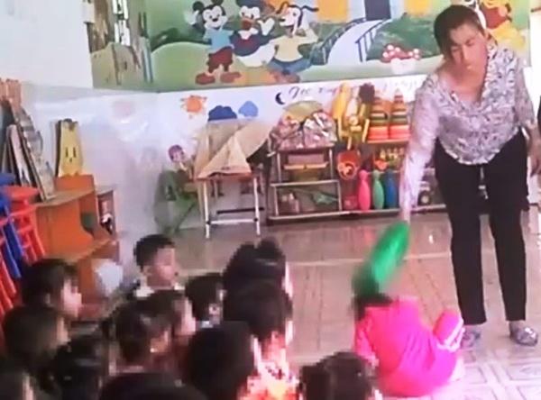 Hãy dạy trẻ bằng tình yêu thương