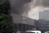 Cháy dữ dội ở gần tòa nhà Liên đoàn bóng đá Việt Nam