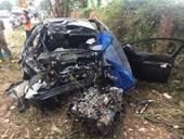 Đăk Lăk Xe con đâm xe tải khiến 2 người chết, 3 người bị thương nặng
