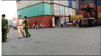Nam tài xế bị thùng container ép chết thương tâm