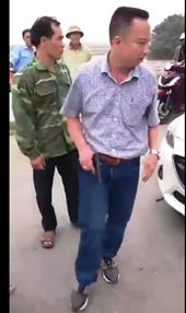 Hà Tĩnh Tài xế rút súng dọa bắn sau khi gây tai nạn giao thông