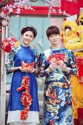 Á Hậu Thanh Tú sánh đôi bên trai Hàn đón Tết