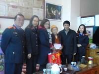Thăm và tặng quà Tết cho Mẹ Việt Nam Anh hùng Phạm Thị Viết