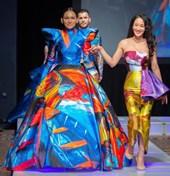 Thời trang Việt ấn tượng tại New York Fashion Week 2018