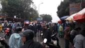 Đội mưa đến chợ Viềng, những điều trông thấy