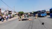 Đi Suối Tiên chơi, một phụ nữ bị xe đầu kéo cán chết