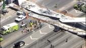 Mỹ Sập cầu đi bộ 950 tấn mới xây, nhiều người thương vong