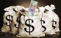 """Truy tố đối tượng """"dàn cảnh"""" mua bán tiền giả rồi cướp tài sản"""