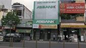 TP Hồ Chí Minh Hai thanh niên dùng súng giả cướp ngân hàng