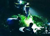 Ba nam thanh niên nhảy cầu cứu bạn, 1 người tử vong