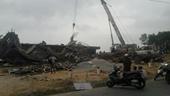 TP Huế Dàn giáo xây dựng cây xăng bị sập, nhiều người bị thương