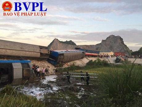 Tai nạn đường sắt nghiêm trọng ở Thanh Hóa Ít nhất 13 người thương vong