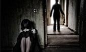 Phê chuẩn khởi tố bố dượng giao cấu với con riêng của vợ