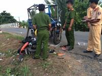 Khám nghiệm hiện trường vụ tai nạn giao thông trên tỉnh lộ 877B