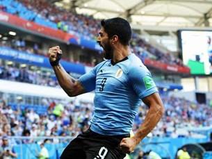 Thắng Ả rập Xê-út, Uruguay cùng với Nga bước vào vòng 1 8