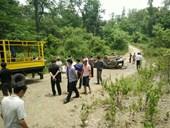 Kiểm sát việc khám nghiệm hiện trường vụ xe chở gỗ lậu bị lật, 2 người tử vong