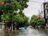 TP Vinh, Nghệ An Mưa lớn kéo dài, phố biến thành sông