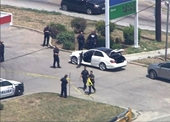 Mỹ Xả súng trên đường phố Dallas, 2 hành khách đi Uber trúng đạn