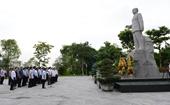 Đoàn cán bộ VKSND tối cao dâng hương tưởng niệm đồng chí Hoàng Quốc Việt