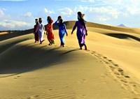 Ngỡ ngàng tiểu sa mạc Nam Cương