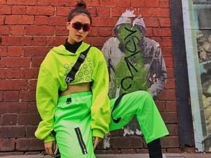 """Dàn mỹ nhân Việt """"tiễn hè"""" với loạt trang phục có màu sắc chói chang"""