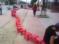 Chung kết Việt Nam - Triều Tiên Dân Hà Tĩnh đặt gạch xếp hàng qua đêm mua vé