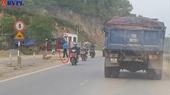 Quảng Bình Thanh tra giao thông quay lưng , mặc xe quả tải lộng hành