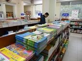 Cực nhọc cuộc săn tìm mua sách giáo khoa cho năm học mới