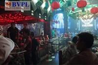 Đột kích quán bar, hàng chục nam thanh, nữ tú phê ma túy trong tiếng nhạc