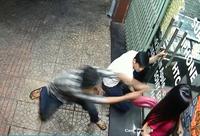 Cướp bất thành, nhóm đối tượng quay sang đâm trọng thương cả 2 vợ chồng