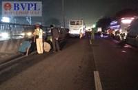 Băng qua đường, người đàn ông bị xe khách húc tử vong tại chỗ