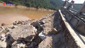 Nghệ An Bờ kè sông Lam nứt toác, dân sống trong lo sợ