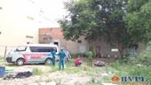 Người đàn ông gục chết trên chiếc xe máy ngã ở phía sau khu dân cư
