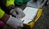 Ba chiếc thuyền vận chuyển hơn 2,2 tấn cocaine