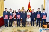 Bộ Ngoại giao công bố và trao các quyết định điều động, bổ nhiệm cán bộ