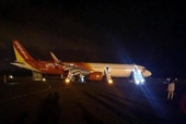 Đình chỉ tổ bay Vietjet Air để điều tra sự cố máy bay rơi 2 bánh