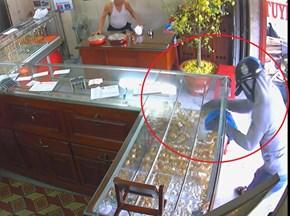 Truy tìm nghi can cướp tiệm vàng táo tợn ở An Giang