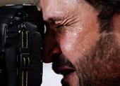 Ảnh nhà báo Iraq bật khóc tại Asian Cup làm tan chảy nhiều con tim