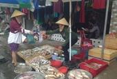 Mùng 4 Tết Siêu thị vắng hoe, hải sản chợ cóc tăng giá gấp đôi