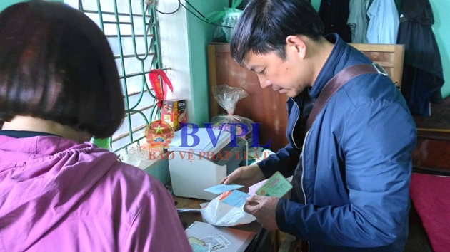 Đang khám nhà nghi phạm sát hại nữ sinh viên ở Điện Biên - 1