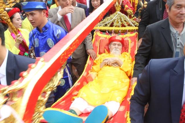 Rước Cụ Thượng trong Lễ hội Tiên Công ở Hà Nam (TX Quảng Yên).