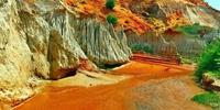 """""""Tan chảy"""" trước vẻ đẹp khó cưỡng của Suối Tiên trên đồi cát hơn 200 000 năm tuổi"""
