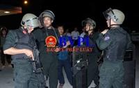Soi súng bắn tỉa của Cảnh sát đặc nhiệm Hà Tĩnh bao vây các đối tượng buôn ma túy