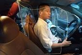 Độc đáo chiếc taxi đầu tiên ở Việt Nam làm khoang chắn bảo vệ tài xế
