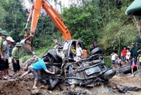 Cận cảnh chiếc ô tô chở cán bộ biên phòng bị lũ cuốn trôi được tìm thấy sau 2 năm