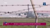 Cận cảnh C-17 Globemaster III của Mỹ hạ cánh xuống Nội Bài