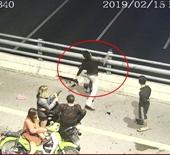 Mật phục bắt 3 thiếu niên ném đá ô tô trên cao tốc Hạ Long - Hải Phòng