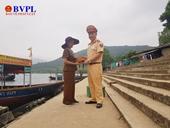 Hành động đẹp của Đại úy CSGT Hà Tĩnh