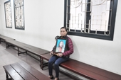Nước mắt hai người mẹ trong phiên tòa xét xử ca sĩ Châu Việt Cường